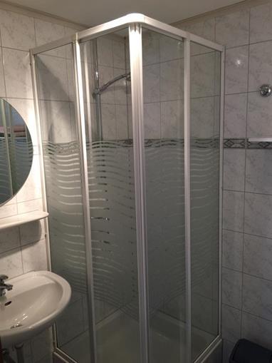 """Haus Serena"": fürdőszoba"