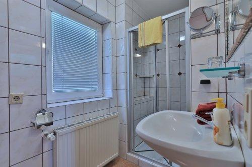 Háromágyas szoba: fürdőszoba