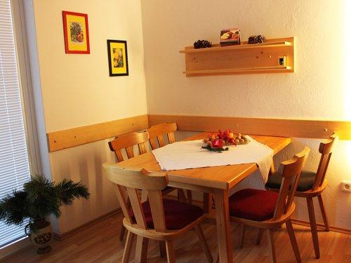 """""""Dobratsch"""" apartman: étkező"""