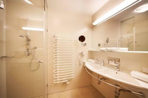 Sutie: fürdőszoba