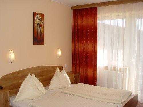 Pótágyazható kétágyas szoba